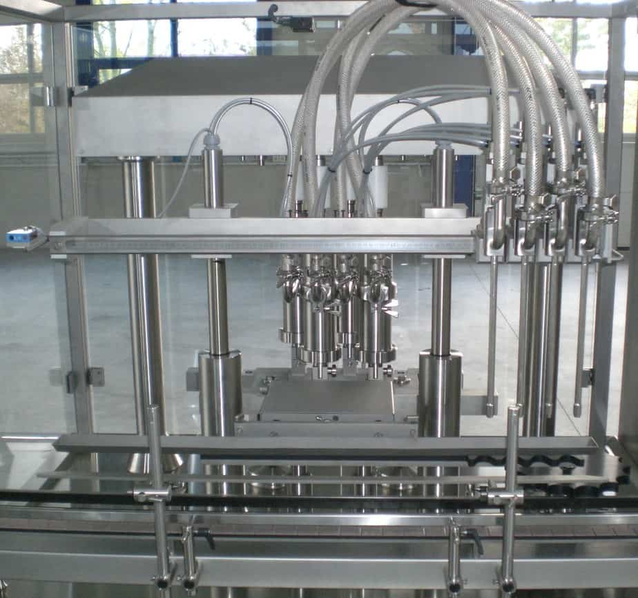 Linear Filler With Rotating Piston Pumps - Raupack UK and Ireland